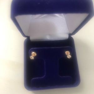 14k gold diamond studs
